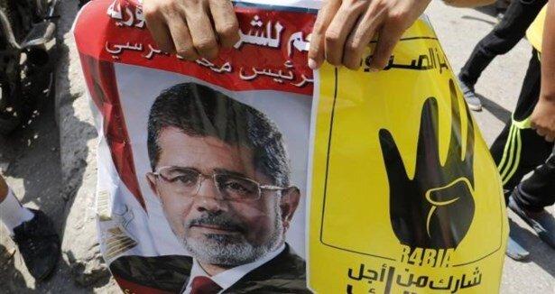 Paris'te Mursi'ye destek mitingi