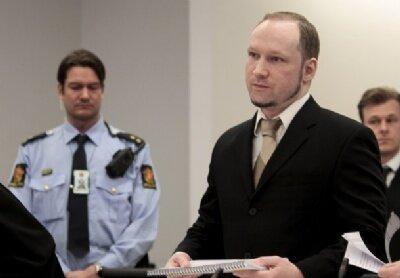 Breivik saldırıları savundu
