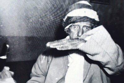 Bediüzzaman'a namazını bozduran foto muhabiri