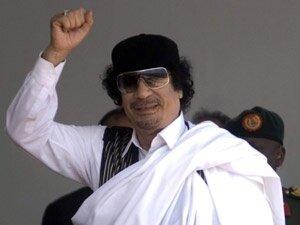 Kaddafi, Ras Lanuf'u bombaladı