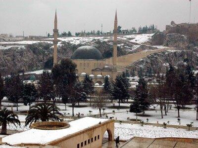 Şanlıurfa'ya kar yağdı