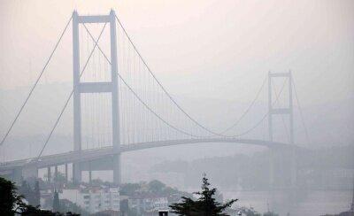 İstanbul Boğazı'nda sis etkili oldu