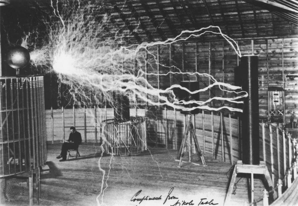 Nikola Tesla'nın muhtemelen hiçbir yerde görmediğiniz birbirinden etkileyici 10 fotoğrafı