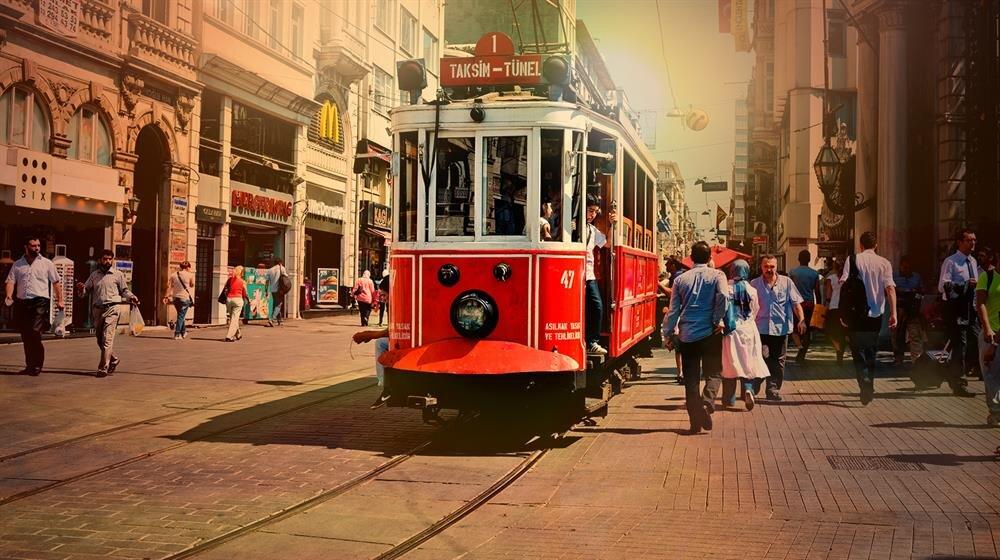 İstanbul'da önümüzdeki günlerde sıcak hava etkili olacak ve nem oranı yüzde 90'ın üstüne çıkacak.