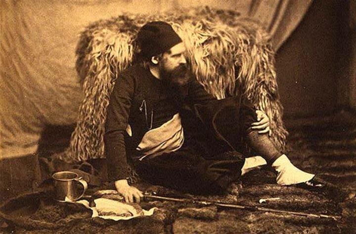Fenton, Londra'dan Kırım'a 1 ayda ulaştı, 3 ay sonra toplam 360'dan fazla fotoğrafla geri döndü.