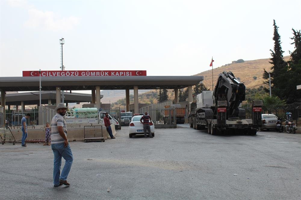 Turkish military reinforcements enter Syria