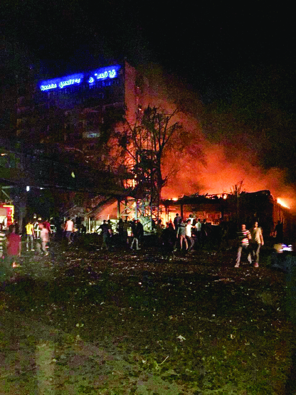 3	F-16s controlled by coup pilots bombed the police headquarters, which was also under fire from tanks and helicopters.