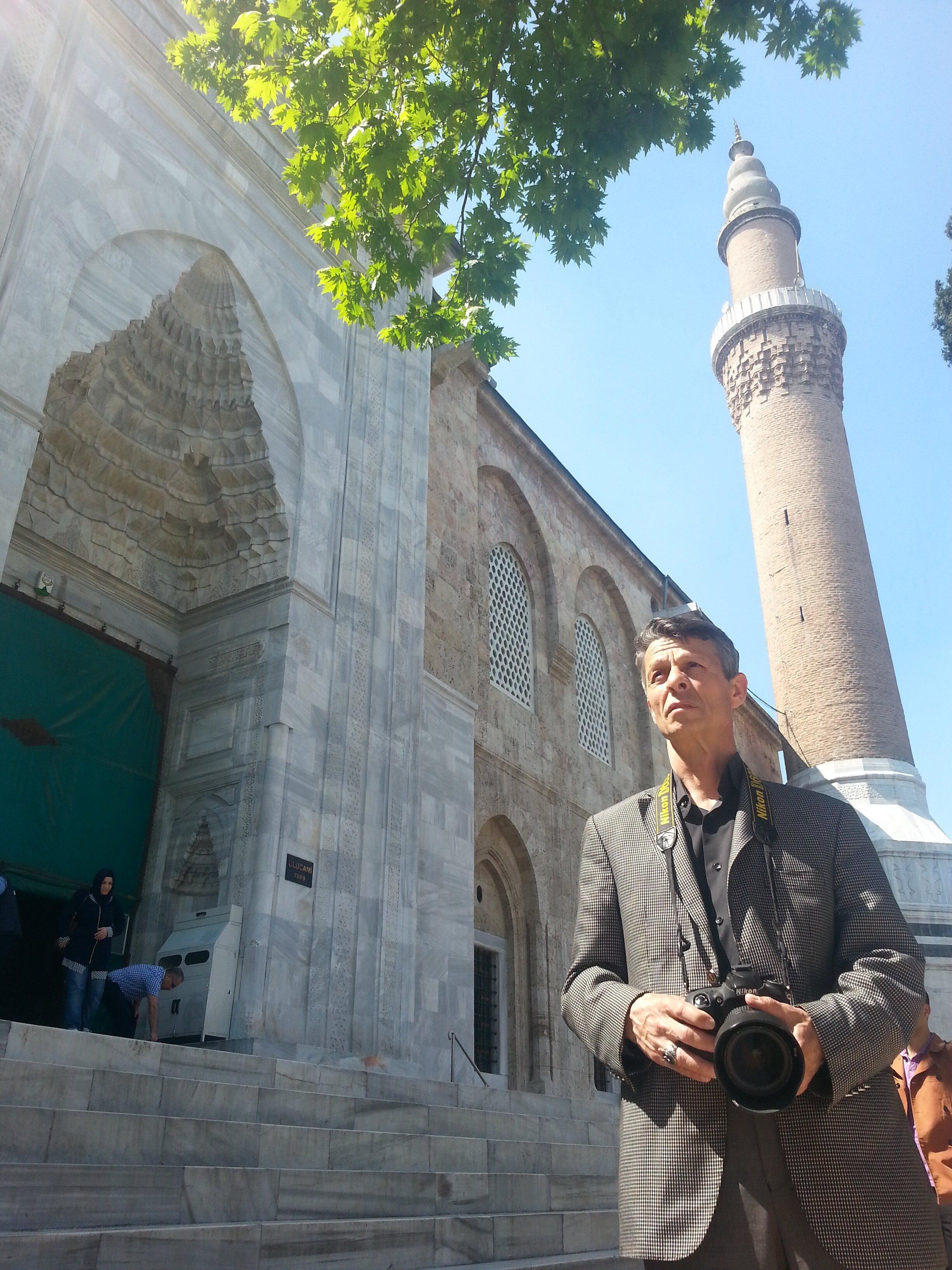 Mustafa Cambaz, Başbakanlık Atatürk Kültür Merkezi Başkanlığınca Türkiye'deki bütün ulu camilerin fotoğraflarını çeken tek sanatçıydı.