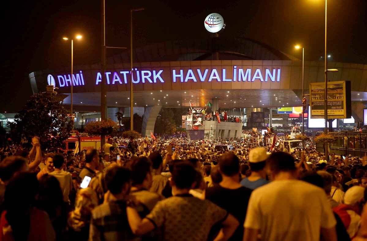 There was a flood people, with thousands going to Atatürk Airport using metrobuses, which were then taken out of service. Those with private cars hit the road sounding their horns.