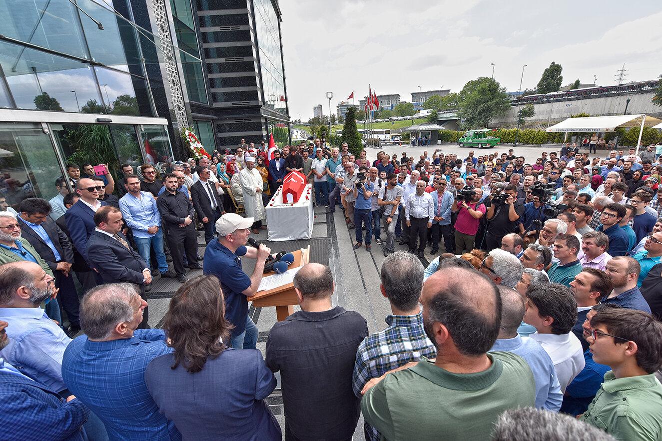 Gazetenin yazarı Mehmet Şeker, yapılan programda