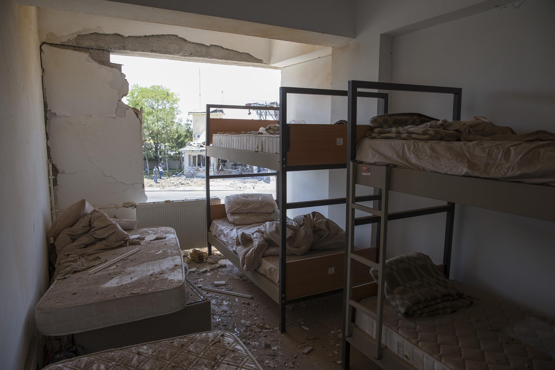 Gölbaşı Polis Özel Harekat Eğitim Merkezinde oluşan hasar gün ağarınca ortaya çıktı.