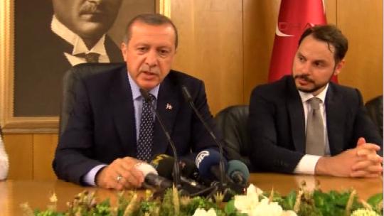 Erdoğan havalimanında basın açıklaması yaptı