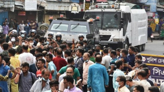 Bangladesh continues manhunt for those involved in religious riots