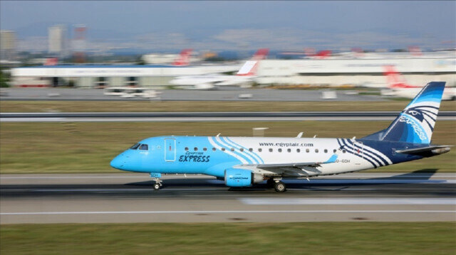 Moscow-bound EgyptAir flight returns after threat message