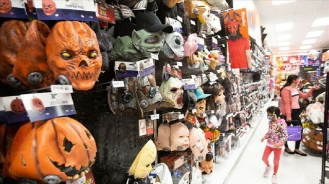 Record high consumer spending expected in US for Halloween