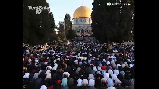 More than 100,000 Muslims flock to Al-Aqsa Mosque for Eid prayer