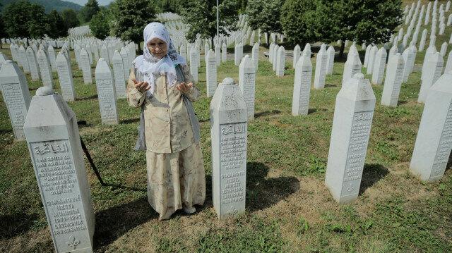 Bosnia imposes genocide denial ban
