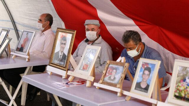Sit-in mothers call sons, daughters to flee terrorist PKK, surrender