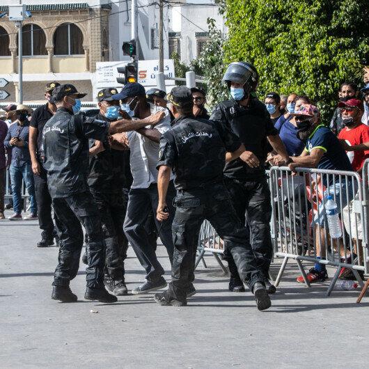 Egypt urges Tunisians to 'avoid escalation'