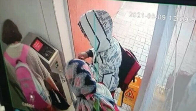 The girls were last captured on security footage in Istanbul's Avcılar