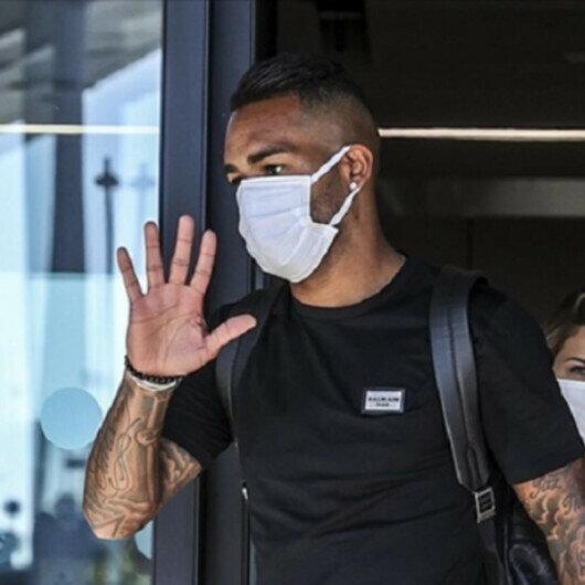 Brazilian midfielder Teixeira signs for Besiktas