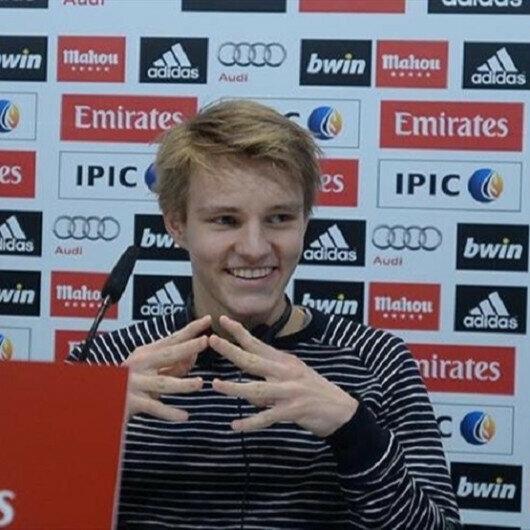 Arsenal sign Norwegian midfielder Odegaard