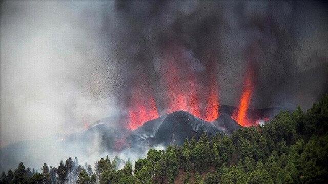 Volcano destroys homes, roads, businesses on Spanish island