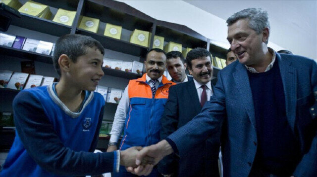 United Nations High Commissioner for Refugees Filippo Grandi (2nd L) visits a course class at Turkish Prime Ministry Disaster, Emergency Management Authority's (AFAD) refugee camp in Nizip District of Turkey's Syria border city Gaziantep on January 15, 2016.