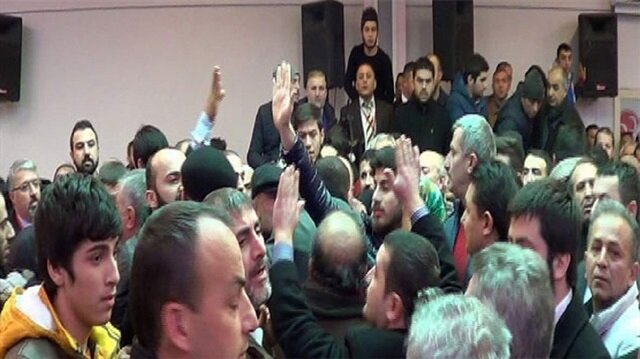 MHP ilçe kongresinde yumruklar konuştu