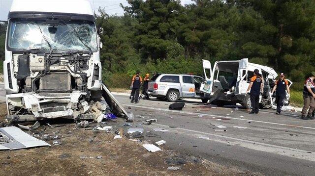 Cezaevi aracı kaza yaptı: 3 ölü