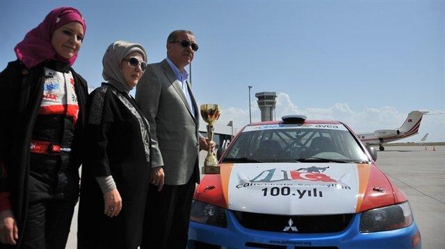 Burcu Çetinkaya'dan Erdoğan'a driftli karşılama