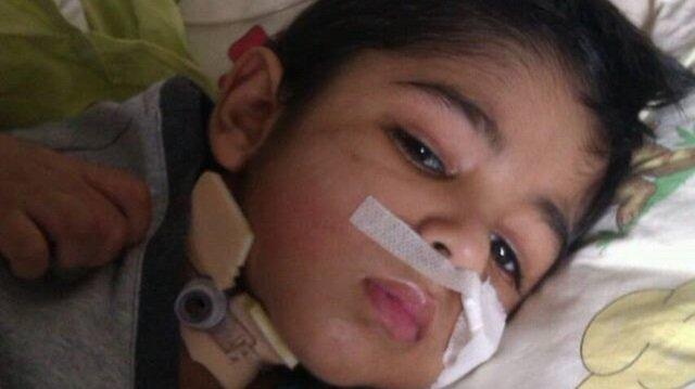 6 yaşındaki Muhammed, İsrail ablukası altındaki Gazze'de tıbbi yetersizlikten dolayı tedavi göremeyince komaya girdi.