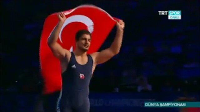 Taha Akgül Las Vegas'ta dünya şampiyonu oldu