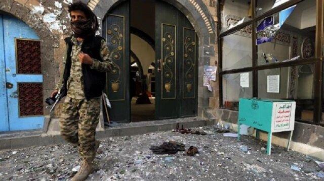 Yemen'de cami'ye bombalı saldırı