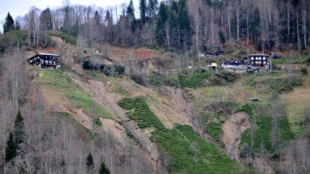 Bu köy kayıyor: 4 ev boşaltıldı 60 ev tehlikede