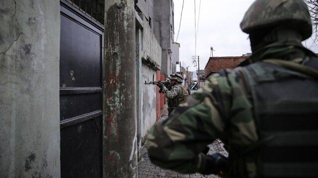 Cizre'de 70 terörist sıkıştırıldı