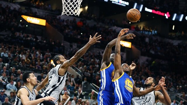 Warriors'a Spurs çelmesi