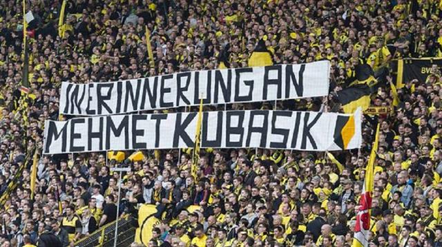Dortmund taraftarı Mehmet Kubaşık'ı unutmadı