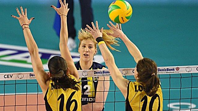 VakıfBank, Fenerbahçe'yi 3-0 yenerek Şampiyonlar Ligi'nde adını finale yazdırdı.