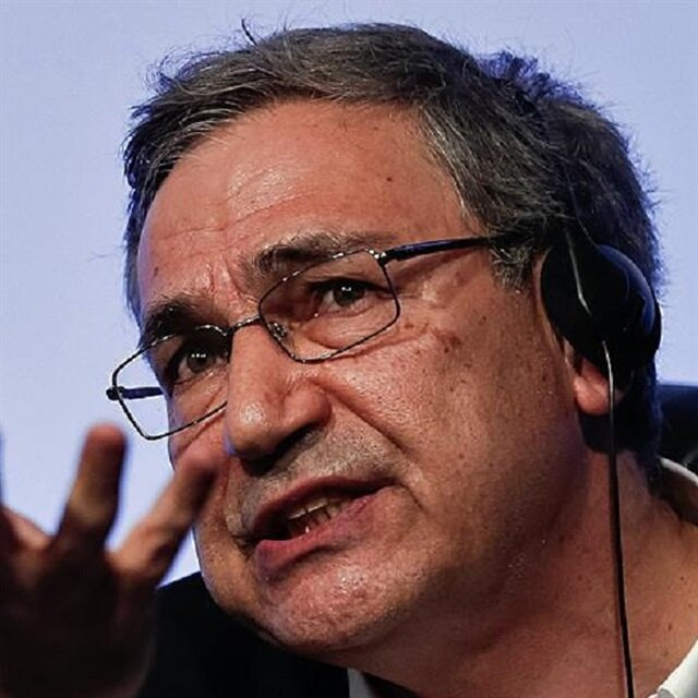 Turkey's Pamuk on shortlist for Man Booker Intl prize