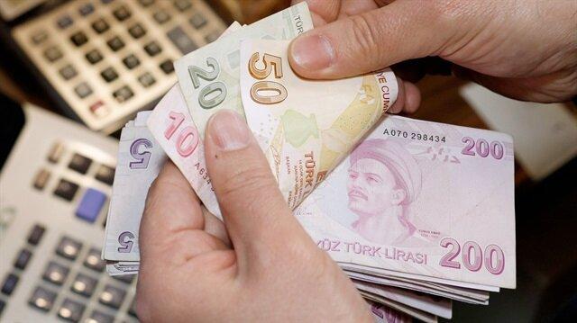 Emeklinin maaşı 1200 lira artıyor.