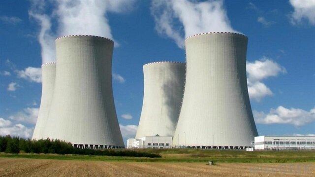 Çin, açık denizlerde yol alabilen nükleer santral yapacak 12