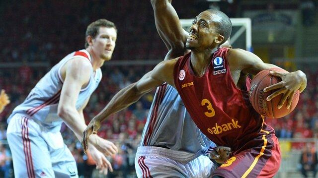 Galatasaray şampiyonluğu İstanbul'a bıraktı