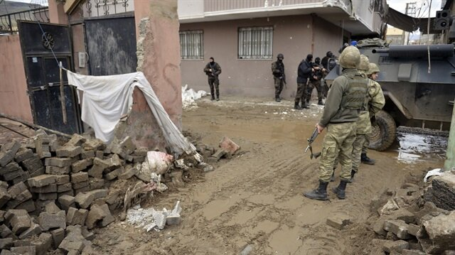 8 terörist öldürüldü 2 terörist teslim oldu