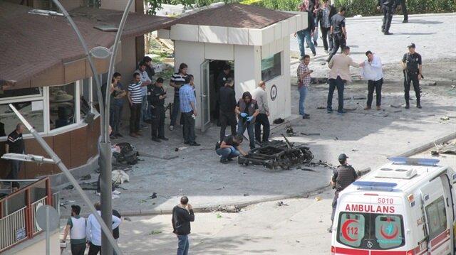 Gaziantep Emniyet Müdürlüğü önünde patlama meydana geldi.