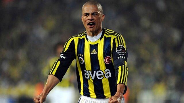 Alex de Souza, Fenerbahçe'nin efsane oyuncuları arasında yer alıyor.