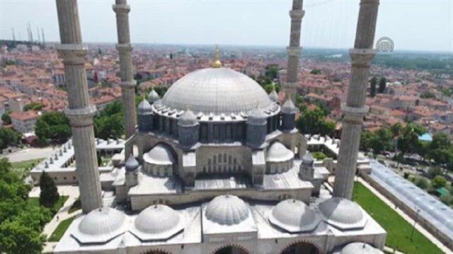 Edirne'den yurda giren gurbetçilerin uğrak yeri Selimiye Camii