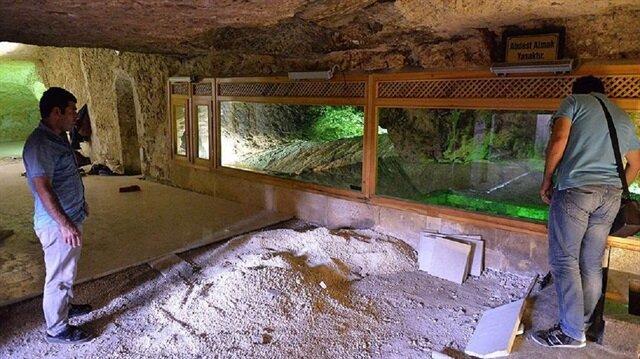 Şanlıurfa'da, inanç turizmi kapsamında en çok ziyaret edilen yerlerin başında gelen Hazreti İbrahim'in doğduğu rivayet edilen makam, restore ediliyor.