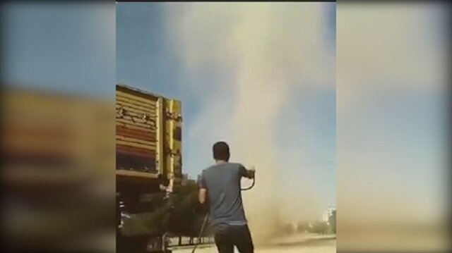 Mardin'de hortuma suyla müdahale eden genç