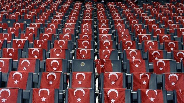 Polonya-Portekiz maçında <br/>'İstanbul' protestosu